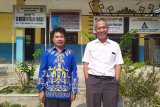 Minat baca murid SD di pesisir Teluk Lampung ini tinggi, dan mereka butuh perpustakaan terapung