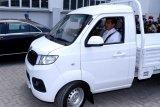 Jokowi jajal mobil buatan Esemka, Presiden jadi penumpang, Menteri Airlangga mengemudi