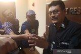 Empat oknum polisi mengamuk di tempat karaoke saat jam dinas