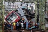 30 orang cidera akibat kereta tabrak truk di Yokohama