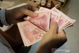 Yuan China jatuh 43 basis poin terhadap dolar AS