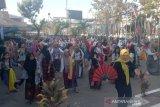 Komunitas Indonesia Pa'rasanganta latihan tari hadapi flashmob tarian tradisional