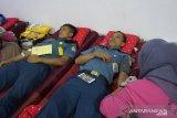 Personel Lantamal VI  donor darah sambut HUT TNI AL ke-74