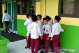 Karhutla Riau - VIDEO - Murid SD di Pekanbaru dipulangkan lebih awal karena udara tercemar asap