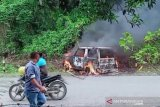 Mobil milik sekelompok pencuri ternak dibakar massa