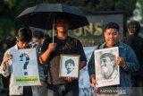 Mahasiswa UNS peringati kematian Munir