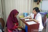 Pengobatan gratis di Rail Clinic diserbu ratusan warga Banyumas