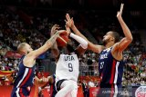 Prancis sukses pupus mimpi juara triruntun Amerika di Piala Dunia FIBA