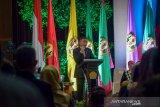 Menteri ESDM Ignasius Jonan memberikan kuliah umum saat acara Dies Natalis Unpad ke-62 di Graha Sanusi, Unpad, Bandung, Jawa Barat, Rabu (11/9/2019). Dalam pemaparannya, Jonan membahas mengenai energi berkeadilan serta teknis penyediaan energi secara merata dengan harga terjangkau. ANTARA JABAR/Raisan Al Farisi/agr