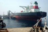 Minyak di tanker dijual di laut, pembeli tentukan tujuan