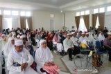 Ratusan jamaah haji asal Kota Kupang kembali dari Tanah Suci