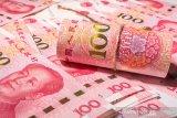 Empat hari berturut-turut Yuan melemah terhadap dolar AS
