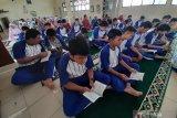 Habibie Wafat - SMPS Kartini Batam harap dapat melanjutkan cita-cita Habibie