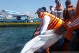 850 warga bersihkan pantai Baubau