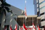 Lembaga riset kibarkan bendera merah putih setengah tiang untuk  BJ Habibie