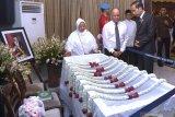 Warga padati TMP Kalibata tempat BJ Habibie akan dimakamkan