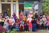Tim Pengabdian Unbrah Bangun Bilik Tumbuh Kembang Balita di Pasaman Barat