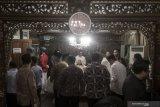 Jamaah dan petugas haji shalat gaib di Madinah untuk BJ Habibie