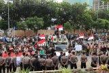 Pimpinan baru KPK, pengunjuk rasa membubarkan diri