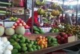 Harga buah impor di Pasar Siteba Padang turun (Video)