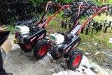 31 Kelompok Tani di Agam terima bantuan traktor hingga pompa air