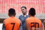 Meski hanya kalah tipis dari Bali United, Persija pecat pelatih dan asistennya