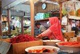 Pasokan banyak, harga cabai merah di Pasar Raya Padang turun