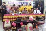 Polisi tangkap lima pembakar hutan pinus di Solok, ini motifnya