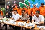 Polisi ringkus delapan pengedar sabu jaringan Malaysia-Batam-Jakarta