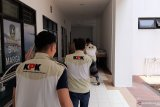 KPK amankan sejumlah dokumen dari mobil dinas Kabid Dinas PUPR Kepri
