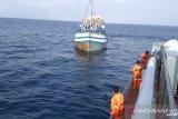 KLM Mutiara Inti Permata berpenumpang 6 orang mati mesin di Selat Lombok