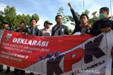 Tolak revisi UU KPK di Makassar