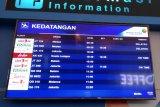 Karhutla Riau - Sejumlah penerbangan Bandara SSK II Pekanbaru tertunda akibat asap