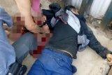 Seorang pria berseragam TransJakarta coba bunuh diri dengan 'cutter'