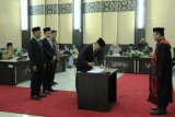 Yutris Can kembali jabat Ketua DPRD Kota Solok