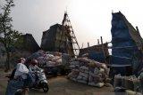 Polisi janji usut pabrik alumunium yang cemari udara di Cilincing