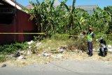 Warga gempar, seorang perempuan dan bayinya ditemukan meninggal di lahan kosong