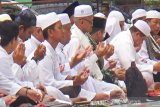 Ribuan warga Kapuas gelar shalat istisqa bersama