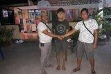 Warga Lombok Timur ini nekat gadaikan mobil kadesnya sendiri
