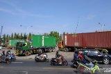 Ratusan sopir truk logistik mogok di Pelabuhan Petikemas Kota Makassar