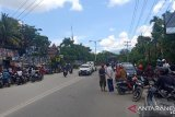 Jalan Raya Abepura-Padang Bulan Jayapura diblokade aparat keamanan