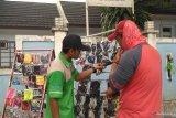Warga Jambi manfaatkan bencana kabut asap berjualan masker