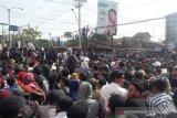 Ribuan massa #GejayanMemanggil memadati pertigaan Colombo Yogyakarta