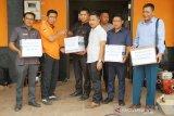 Prihatin kondisi Satgas Penanggulangan Karhutla, DPRD Kotim beri bantuan