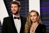 Hubungan Miley Cyrus dan suami dikabarkan kandas setelah hampir dua bulan bersama