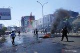 Demo di Makassar, mahasiswa bentrok dengan aparat keamanan