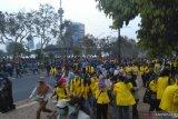 Polisi halau mahasiswa dari Gedung DPR/MPR RI hingga ke GBK