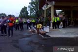 Salut, mahasiswa jaga kebersihan saat demo di Kantor Gubernur Sumbar