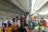 Daop Semarang ajak 100 anak yatim baca Alquran di kereta api
