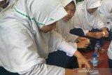 Ratusan pelajar di Banjarnegara ikuti Gerakan Makan 100 Juta Telur